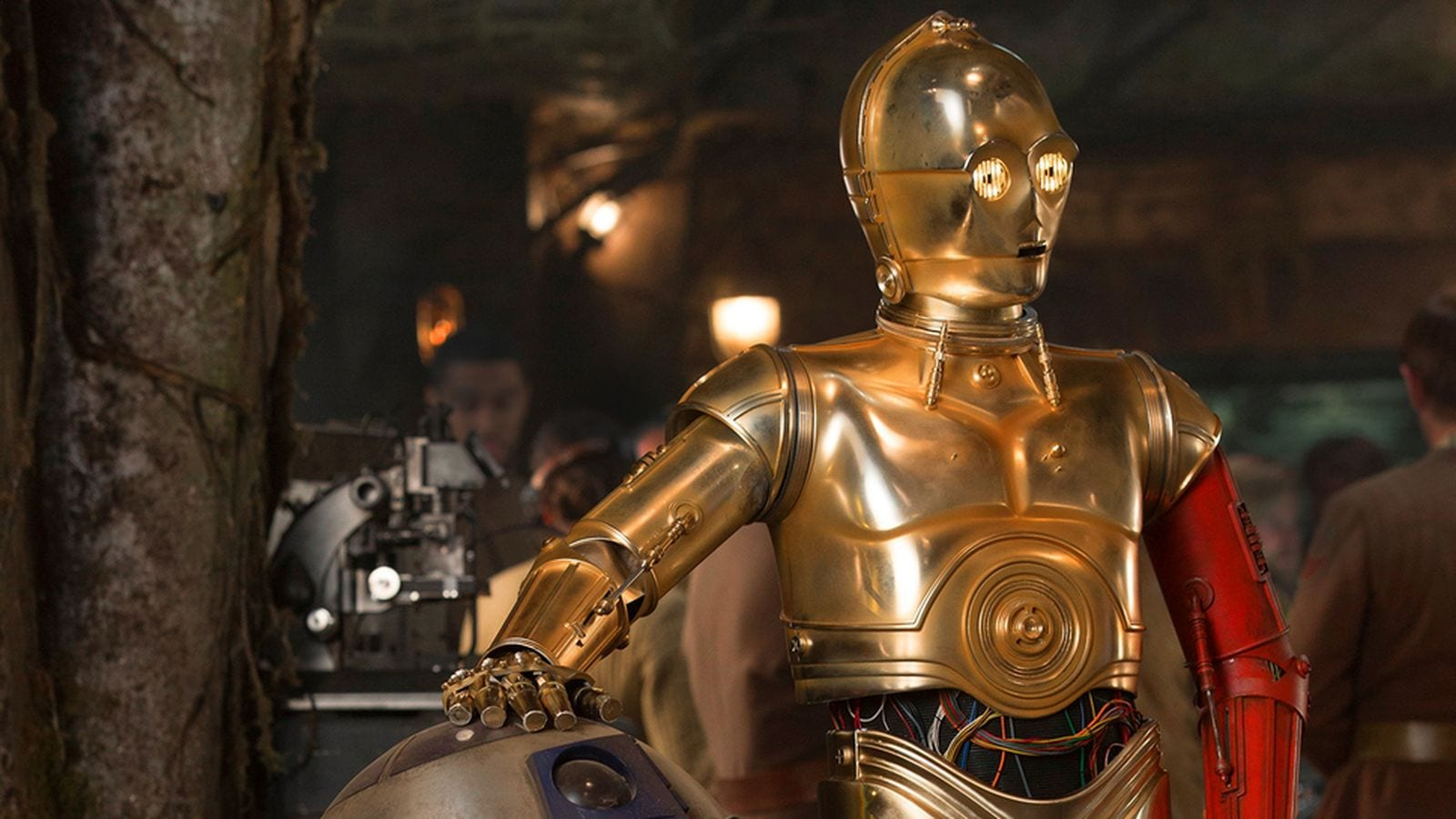 Which 10 robots from hollywood make us wish they were for - Robot blanc star wars ...