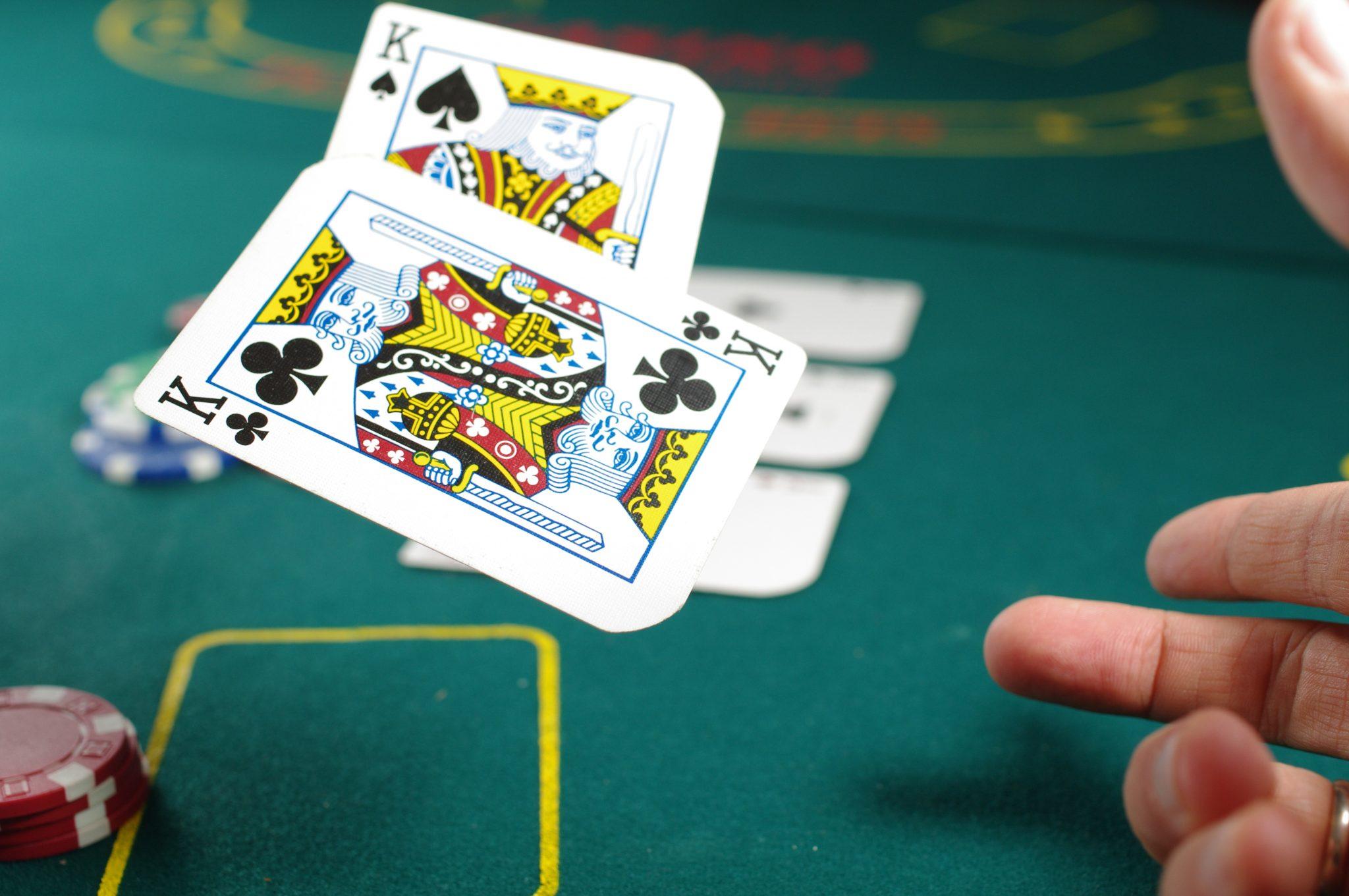 Poker AI Pluribus Solves Imperfect Information Problem: AGI On The Horizon?
