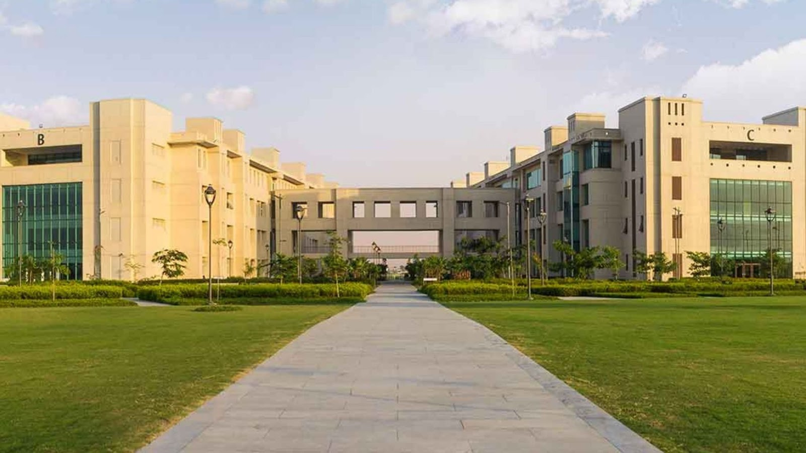 Shiv Nadar University Launches MBA With Data Science Specialisation